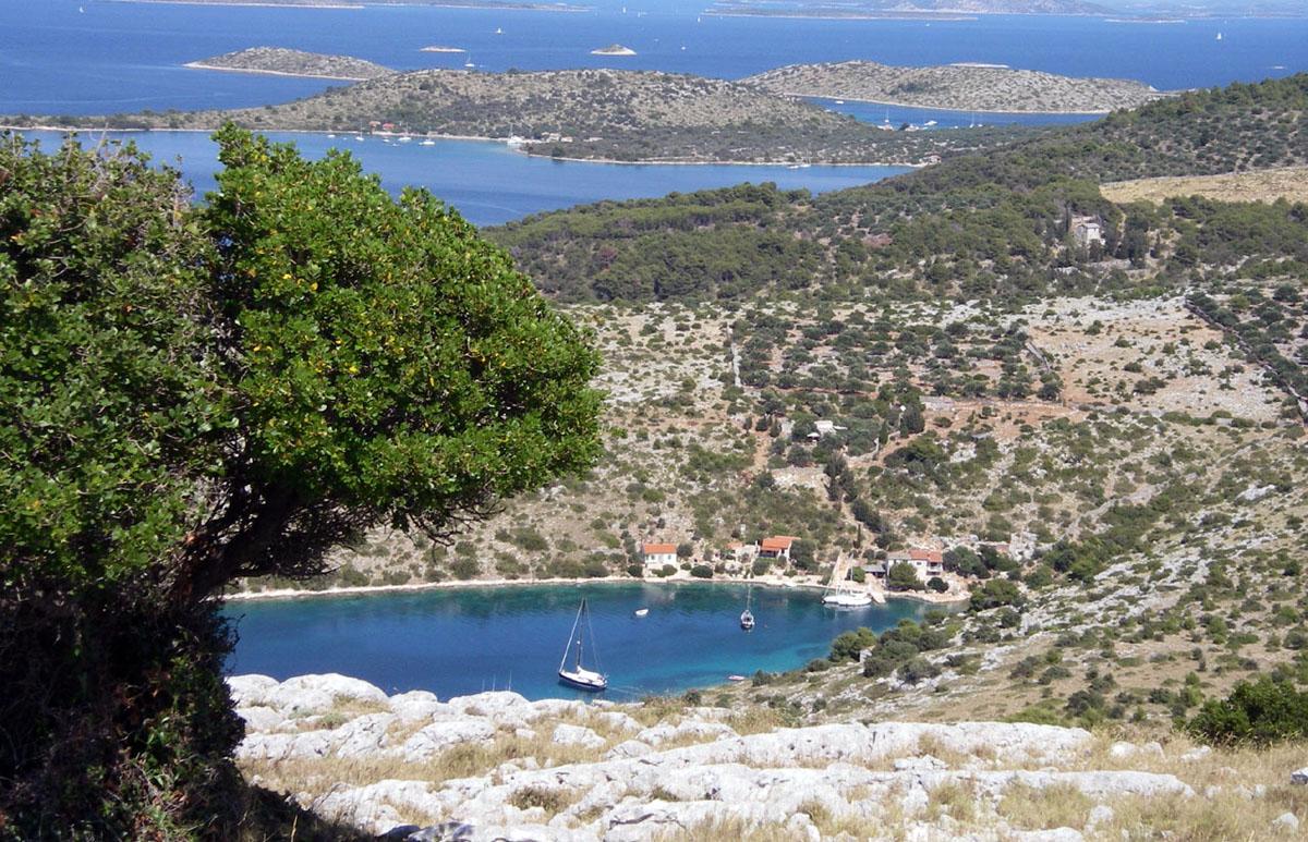 Croatia Sailing Destinations - Zut