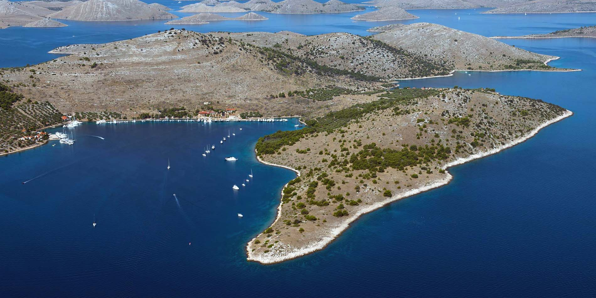 Croatia Sailing Destinations - Zut